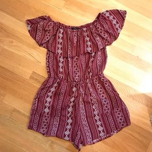 New! Romper off the shoulder